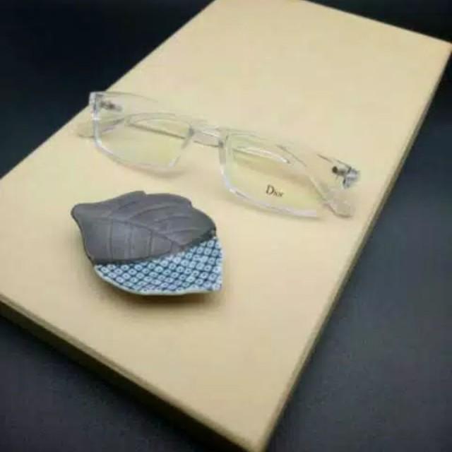 Kacamata minus175