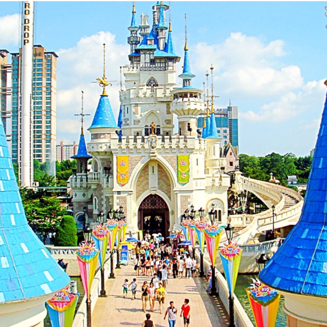 Lotte World Seoul South Korea Entertainment Attractions On