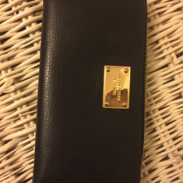 michael kors leather oversized wallet