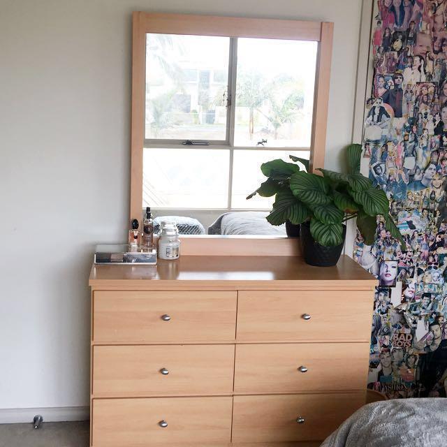Mirrored 6 drawer dresser
