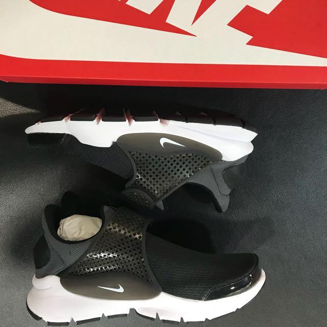 Nike sock dart GS