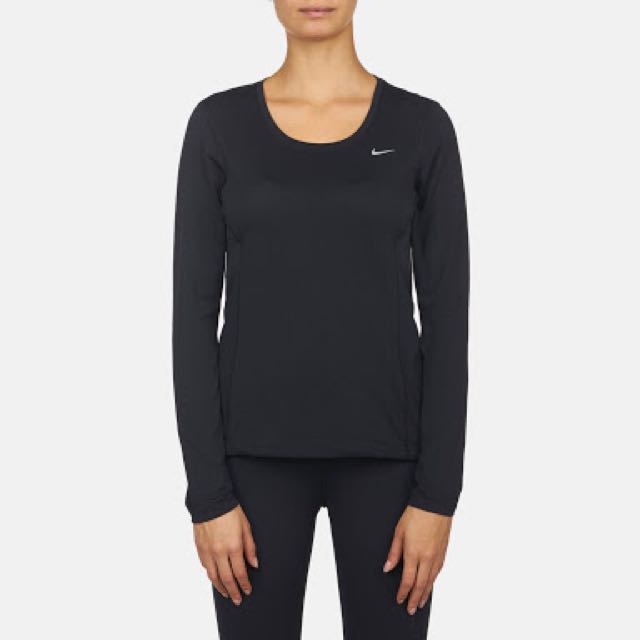 Nike Zonal Cooling top