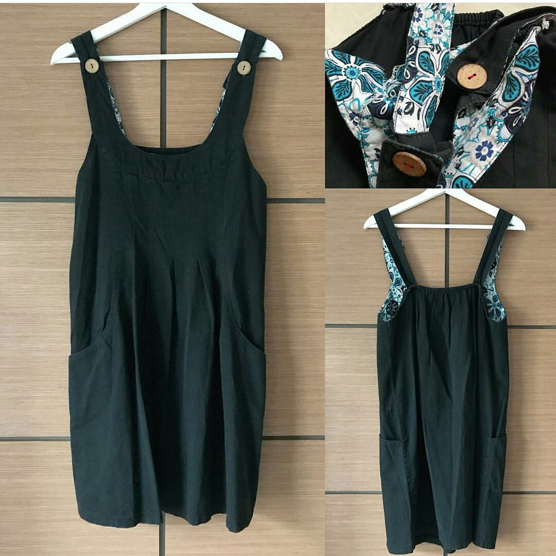 Overall pocket dress in black