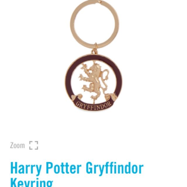 🌹PRIMARK HARRY POTTER KEYCHAINS / KEYRINGS / BADGES GRYFFINDOR SLYTHERIN POM POM