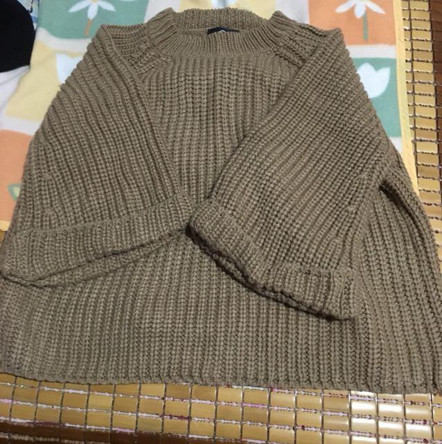 Queen shop 針織不收邊喇叭袖毛衣