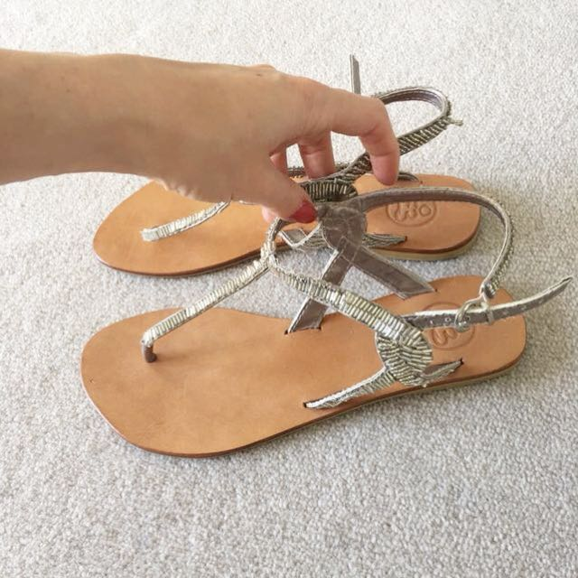 Sandals size 38/ 7 leather with beads
