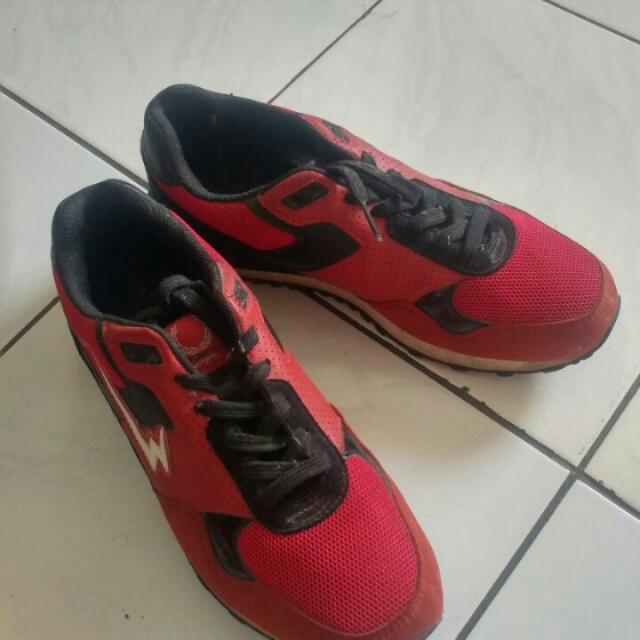 Sepatu Eagle Ori No 40