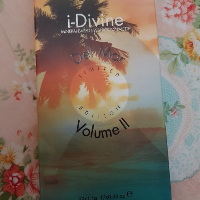 Sleek i Divine Eyeshadow Palette Del Mar Vol. II