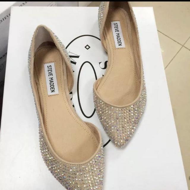 c9eb380bbfc17 Steve Madden Embellished Sparkly Nude Flats, Women's Fashion on Carousell
