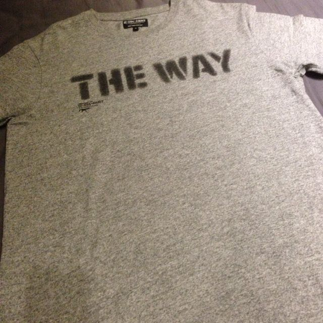 "灰色短T - IZZUE ""THE WAY"" T-shirt (S號)"