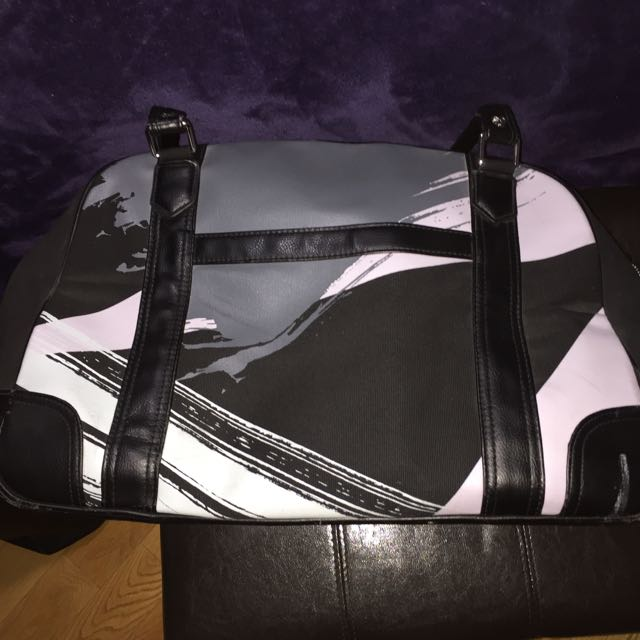 TNA travel bag