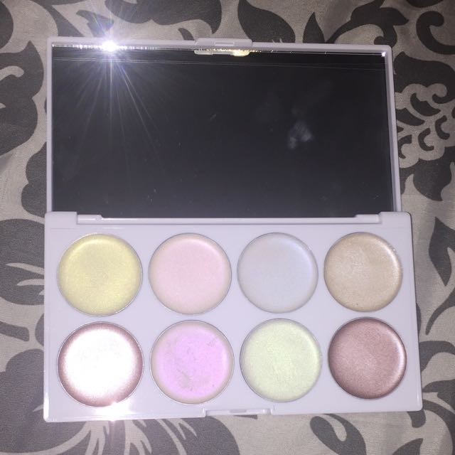 Unicorn Glow cream illuminating palette