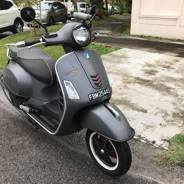 vespa gts 300 supersport with abs and asr motorbikes. Black Bedroom Furniture Sets. Home Design Ideas