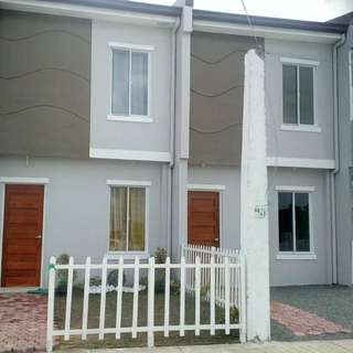 BACOOR SOON TO RISE COMPLETE FINISHED TOWNHOUSE