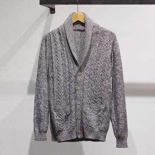 Men's knitted shalw cardigan by GU-Uniqlo minat chat 089683356551 bisa via whatsapp di (0895400000805)