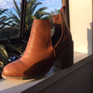 Ankle boots brown leather