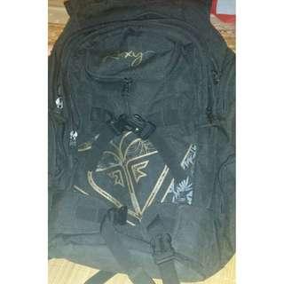 國外帶回 roxy 正品 登山包  後背包  用過兩次  1500含運