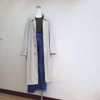 🚚 轉賣/日本製/米白古著極大長版風衣vintage over size