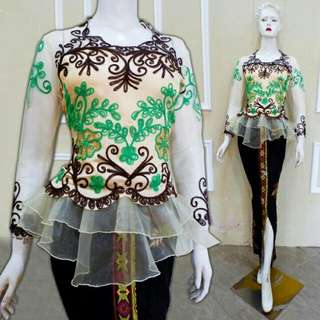 Set kebaya peplump