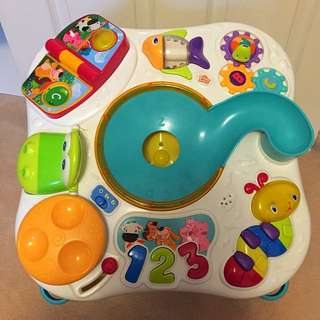 Bright Starts Having a Ball Get Rollie' Activity Table