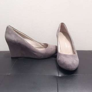 MOVING SALE: grey wedges