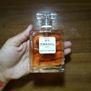 CHANEL O5