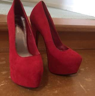Marco Gianni Size 5 Red Heels