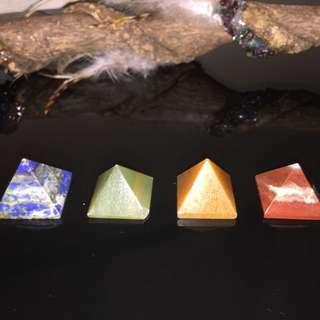Crystal pyramid set