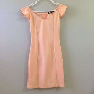 Light pink size 6 Misguided dress