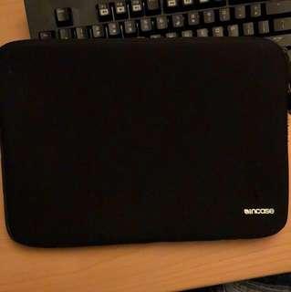 "Incase 13"" Macbook sleeve 電腦袋"