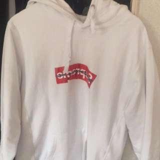 Supreme hoodie size L