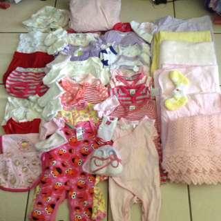 Baby girls clothing size 000