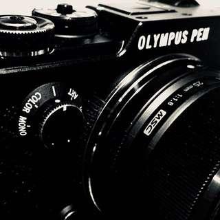 Olympus Black Pen-F