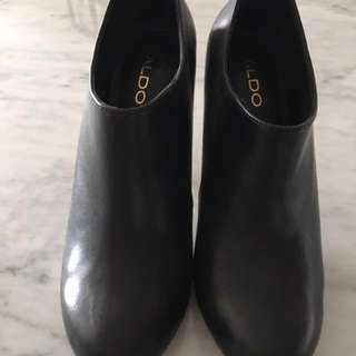Aldo Leather Ankle Booties-Like New