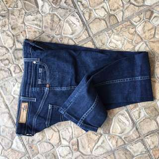 Basic jeans by Lea