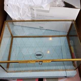 Kikki.k glass display box