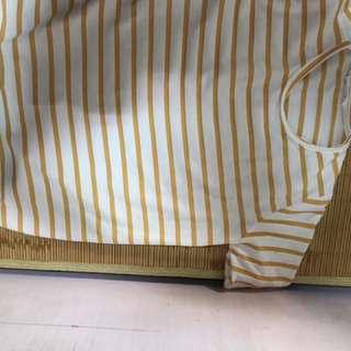 🚚 線條上衣