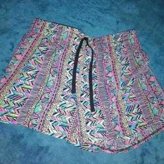 Vintage retro festival shorts xs