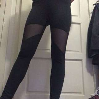 Workout Leggings With Mesh Cut Out