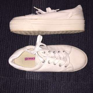 White Shoes Size 9 #blackfriday50