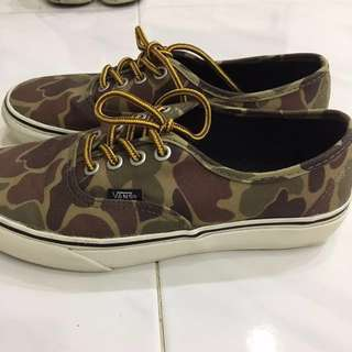 Vans Authentic (camo wax canvas)
