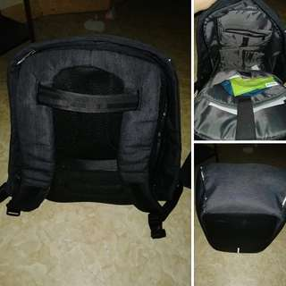 Anti theft bagpack