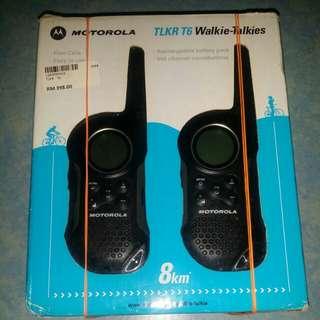 Motorola TLKR T6 WALKIE-TALKIES