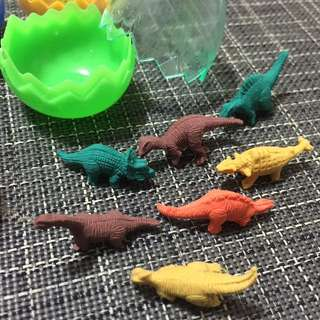 Tiny Dinosaurs in a Shell