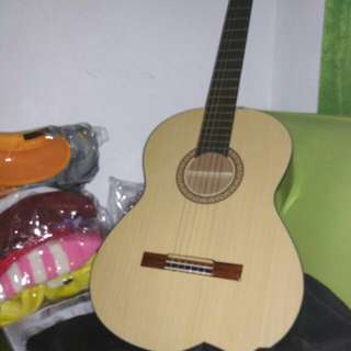 REPRICED Gitar akustik free capo and bag and senar