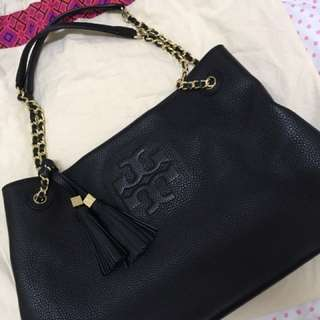 Tory Burch Thea Chain Strap Leather Tote bag In Black