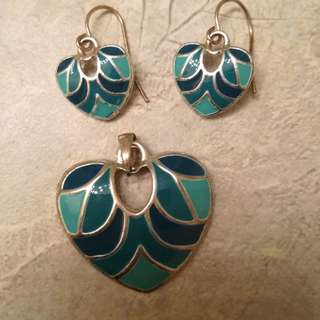 Heart shape teal and blue pendant set
