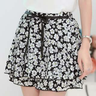 Cute floral print skirt/short