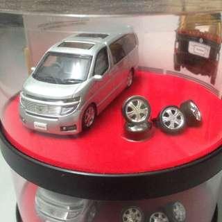 Nissan Elgrand 1:64 Demonstration Model