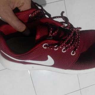 Nike Rosherun White Red